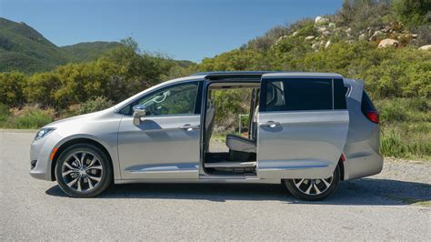 chrysler toyota 2017 chrysler pacifica minivan release date review and
