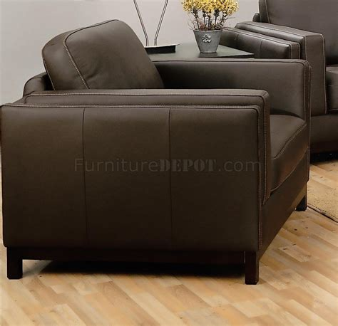 Modern Living Room With Brown Leather Sofa Leather Contemporary Living Room 502451 Brown