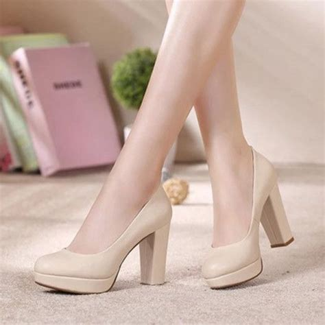 Comfortable Office Heels by 15 Must See Thick Heels Pins Strappy Heels Pumps And