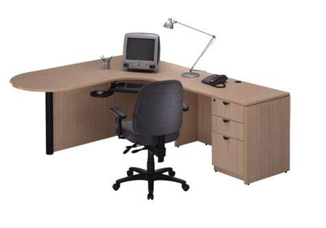 Synergy Help Desk by Bullet Desk Shell W Corner Extension