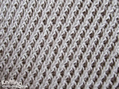 knitting stitch right diagonal stitch easy to knit and easy to remember