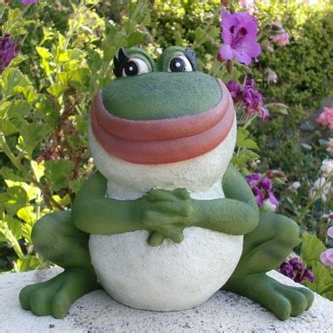 nanette frog statue only $32.99 at garden fun