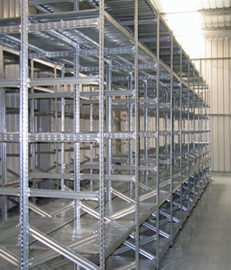 montaggio scaffali metallici scaffalatura industriale a ripiani lunghezza 10 5 metri