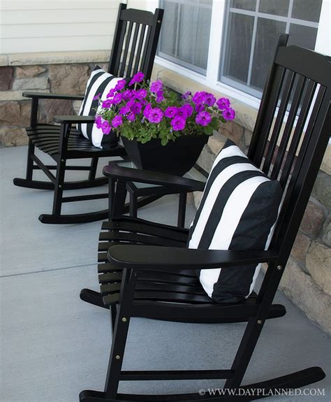 25 best ideas about front porch furniture on porch furniture front porch chairs