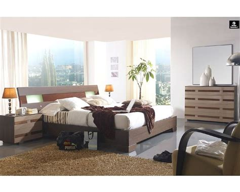 two tone bedroom furniture modern two tone bedroom set made in spain 33b211
