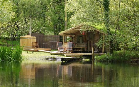 Big Cabins On The Lake by Gling In Wales Gwalia Farm Cabin On The Lake