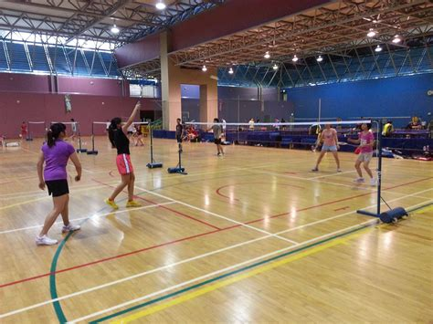 Shuttlecocks Gadjah Mada 1 sunday badminton clementi 6 march 5 7 pm 5 courts badminton singapore singapore meetup