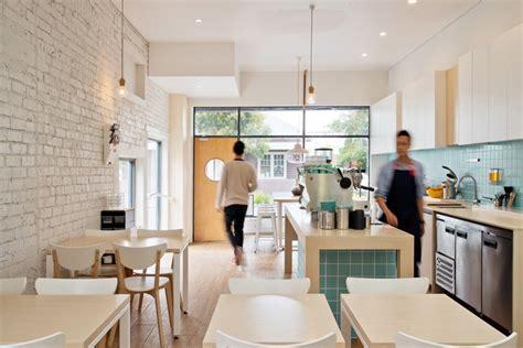 renovasi modern cafe man