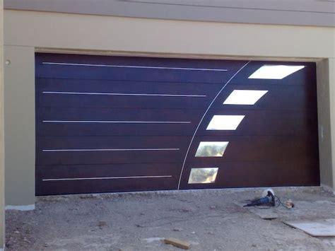 not cup of tea but s a fan of this garage door