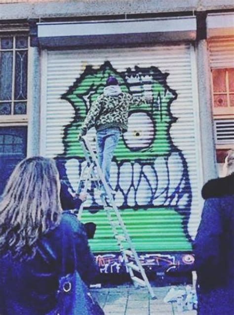 spray paint instagram chris brown showed his skills on the side of a