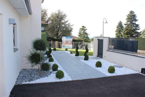 Entree Exterieur Maison Moderne 4408 by Revger Am 233 Nagement Ext 233 Rieur Entr 233 E Maison En Pente