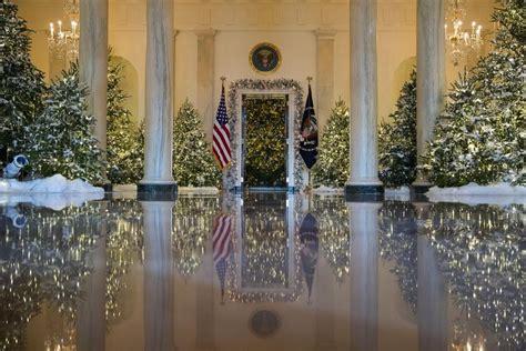trump white house decorations melania trump unveils white house christmas decorations