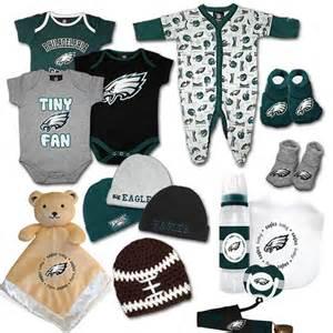 gifts for eagles fans philadelphia eagles baby fan gift set