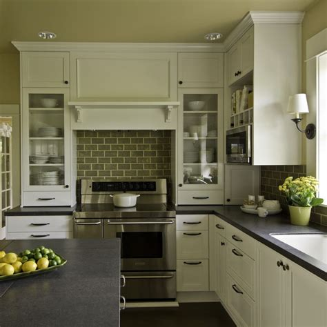 Bungalow Kitchen Design by 25 Best Ideas About Bungalow Kitchen On Pinterest