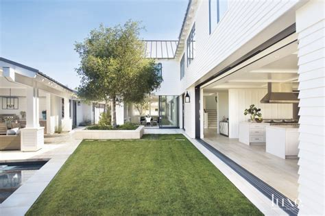 l shaped towhnome courtyards traditional white l shaped courtyard luxe interiors design