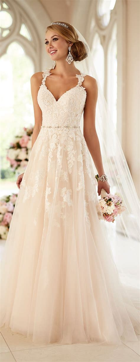 White Wedding Gown Shopping by 25 Best Ideas About Wedding Dresses On