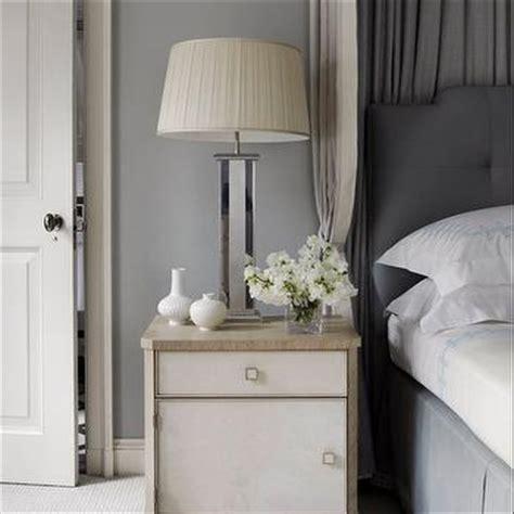 Grey Tone Bedroom by Two Tone Gray Bedroom Walls Design Ideas