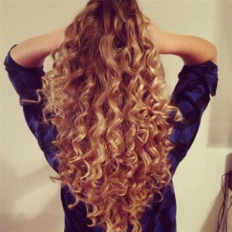 frizzy wand curls hairstyles