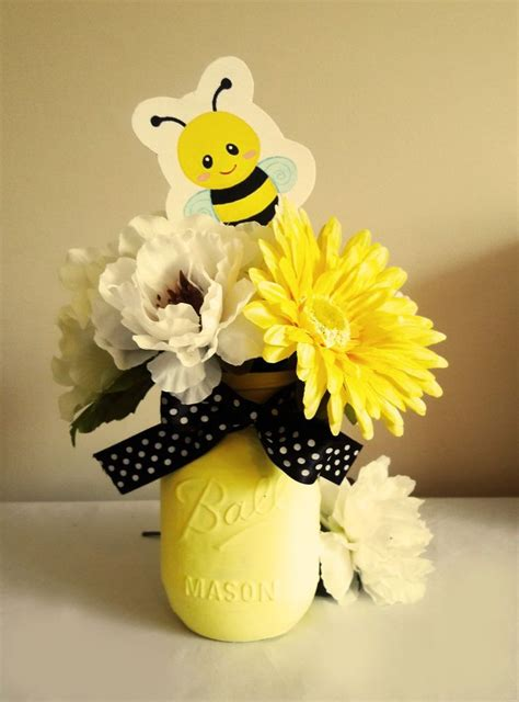 Bee Decorations by Best 25 Bumble Bee Crafts Ideas On Bee Crafts Bee Decorations And Bug Crafts