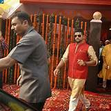 Suresh Raina And Ms Dhoni | 600 x 600 jpeg 87kB