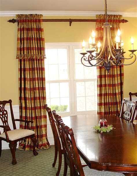Dining Room Curtains And Valances A Family Friendly Formal Dining Room 187 Susan S Designs