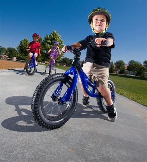 imagenes niños manejando bicicleta consejos mam 193 bicicleta ni 241 os seg 250 n las edades