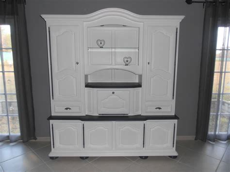 mon meuble de salon relooker en blanc et gris manque les