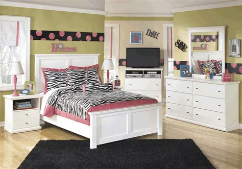 bostwick shoals bedroom set bostwick shoals full bedroom set cincinnati overstock warehouse