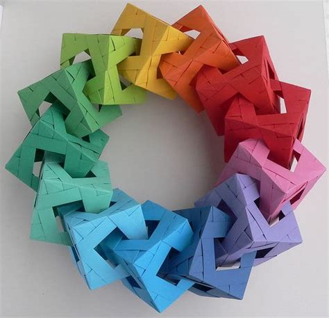 Origami Wreath Ornament - free pattern origami and paper on