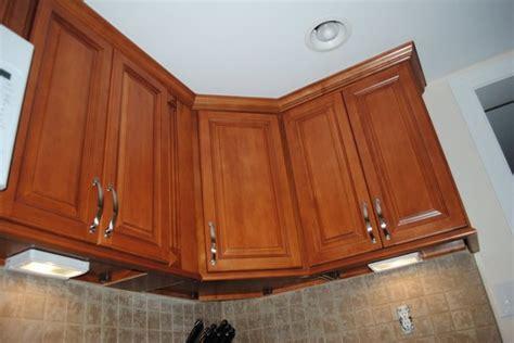 tile under kitchen cabinets maple cabinets under cabinet lighting tile backsplash