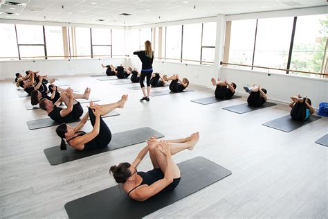 Pilates Mat Class by Here Are The Benefits Of Taking A Mat Pilates Class The