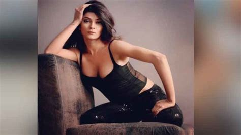 sushmita sen insta photos स ष म त स न क इतन ज य द ह ट और स क स अवत र