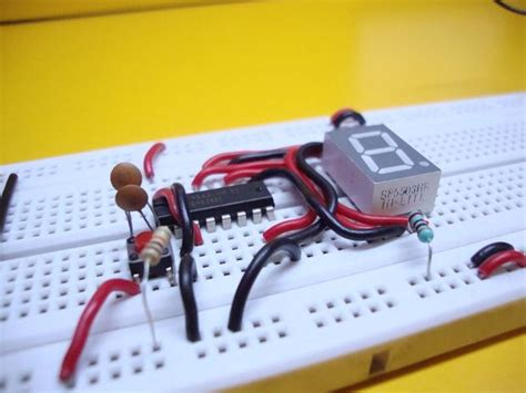 breadboard circuit for beginners 10 breadboard projects for beginners