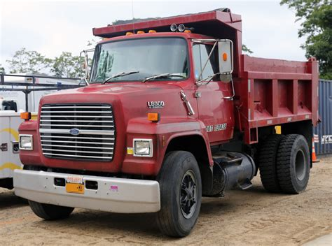 ford truck red file 1989 ford ln8000 diesel dump truck red jpg wikipedia