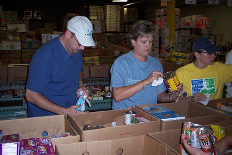 Food Pantry Community Service community service images food bank volunteers hd