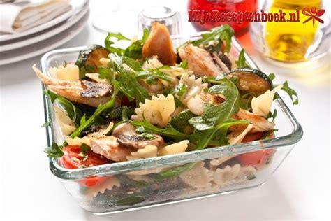 lade fredde pastasalade gerookte kip recept