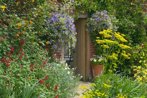 bird friendly gardens garden advice the rspb