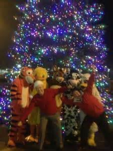annual christmas tree lighting at stew leonard s danbury