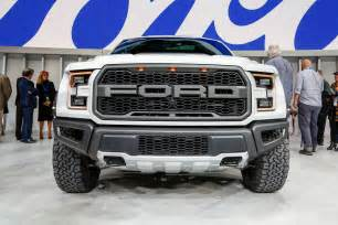 F Ford 2017 Ford F 150 Raptor Supercrew Look Review