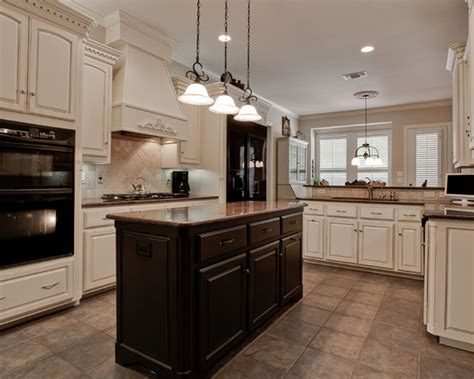 Kitchens With White Cabinets And Black Appliances Black Appliances Kitchen Design Ideas Photos