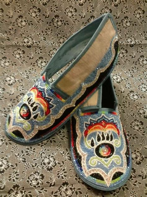 beaded moccasin tops 100 ideas to try about beaded moccasins iroquois
