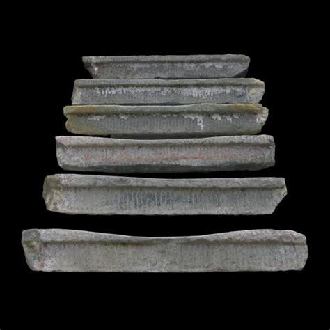 pisana cornici ra ma antichi scalini in pietra serena rigata