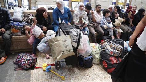 pediatri pavia emergenza profughi in centrale il comune cerca