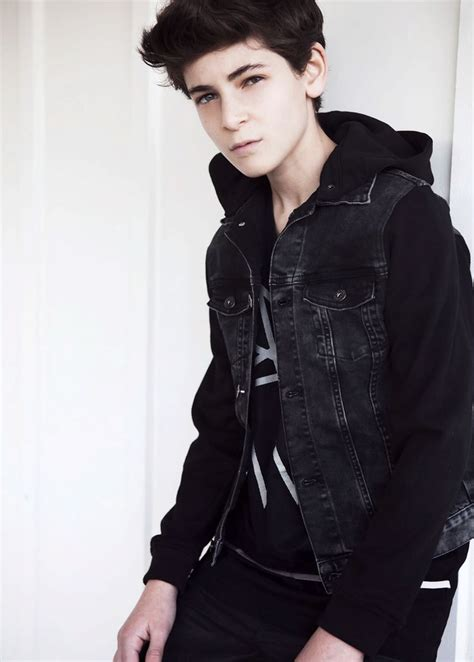 David mazouz may i have your autograph pinterest be cool percy jackson and tv series