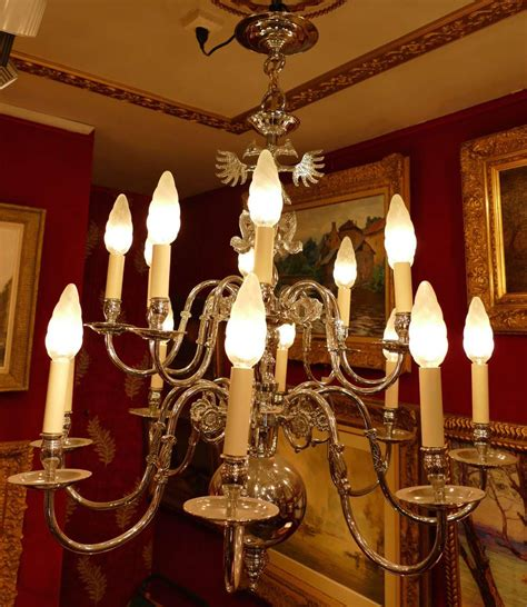 lustre hollandais ancien le march 233 biron lustre ancien de style hollandais 20 232 me