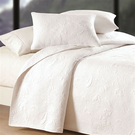 Reversible Shell Quilted Matelasse Coverlets