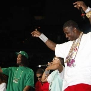 Gucci Waka 2 gucci mane f nelly scarycat hiphopdx