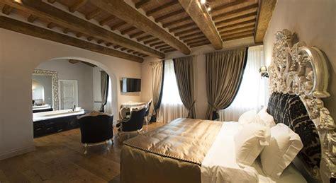 hotel con camino in hotel di lusso in toscana camere e suite con minipiscina