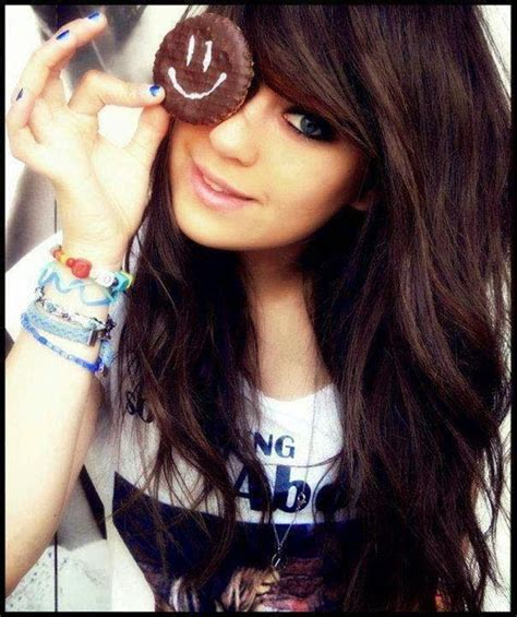 stylish dps and covers for facebook cute girl fb dp cool and stylish pretty girl fb dp with smile 2014