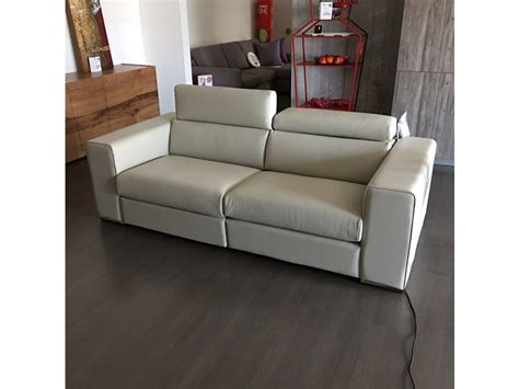 divani primafila primafila divani catalogo divano alfred colombini con